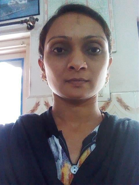 तसलीमा शेख़अपने कक्षा में कविताओं को संगीत से सजा रही है ताकि उनके विद्यार्थियों के लिए मनोरंजक और आनंददायी हो.